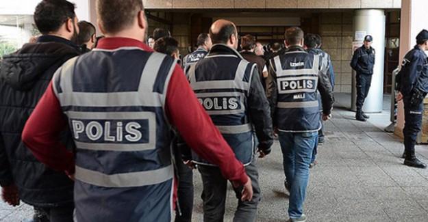 FETÖ'cü Gazetecilere Operasyon; Aralarında Ünlü İsimler de Var