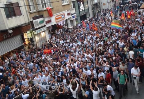Gezi Eylemlerinin 3'üncü Yıl Dönümünde Taksim Karıştı