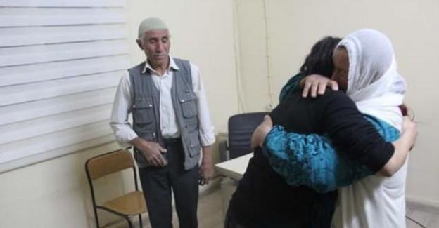 Günlüğü Bulunan Terörist Kız Annesine Sarıldı
