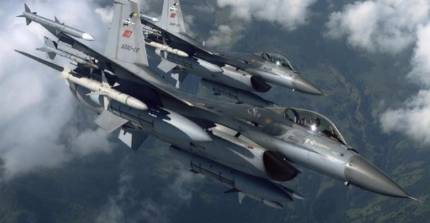 Hakkari'de Hava Harekatı! TSK: Anlık İstihbaratla Hedefler Vuruldu