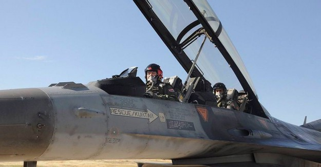 Hava Kuvvetleri Komutanı F-16 ile harekata katıldı