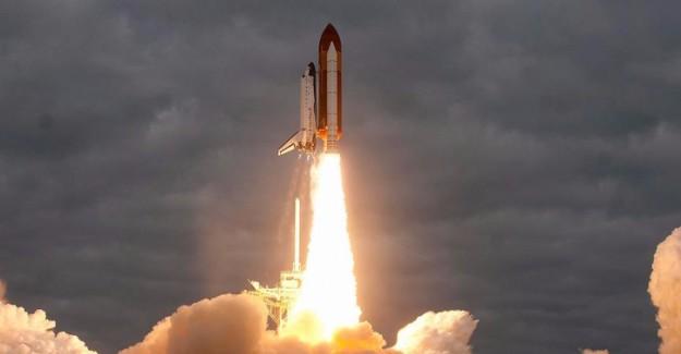 Hindistan 'tekrar kullanılabilir' uzay mekiği fırlattı