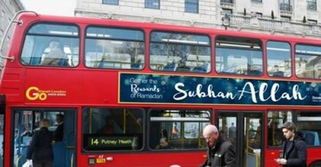 İngiltere'deki Otobüslerde 'Sübhan Allah' Yazısı
