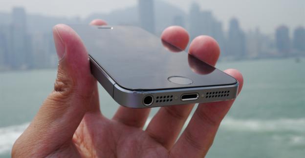 iPhone 5s Uçaktan Düşünce Bile Kırılmadı!