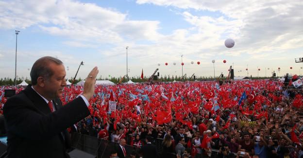 İstanbul Tarihi Güne Hazır: 2 Milyon Kişi Yenikapı'da