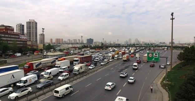 İstanbullunun Derdi Bitmiyor! Bu Yollar Yarın Trafiğe Kapatılacak