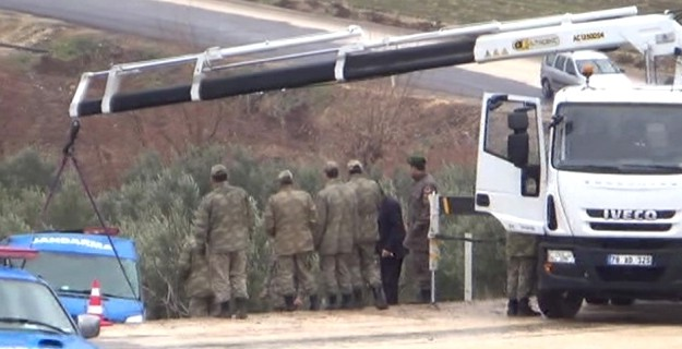 Kilis'te Askeri Araç Devrildi: Yaralı Askerler Var