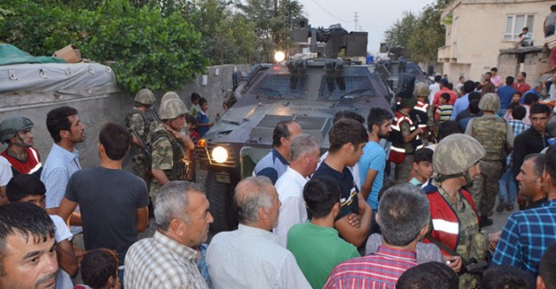 Zorköy'lüler DEDAŞ ekiplerini rehin aldı, jandarma kurtardı