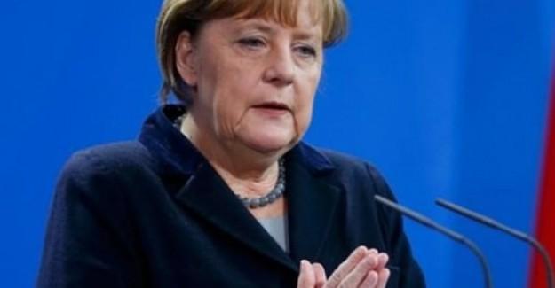 Merkel'den Kapalı Kadınlar Hakkında Skandal Sözler!