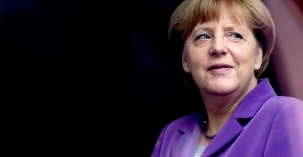 Merkel'den Türkiye'ye Büyük Yanlış