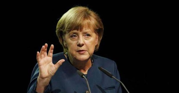 Merkel'den Vizesiz Seyahat Açıklaması