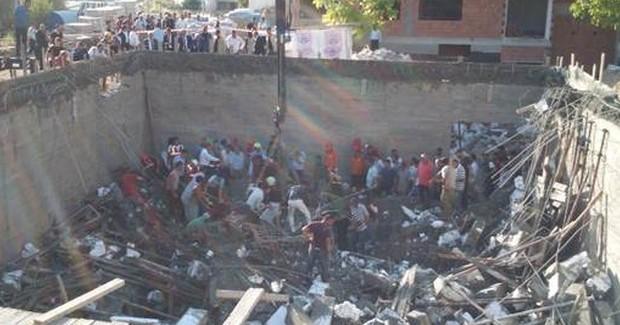 Mersin'de Göçük! İşçiler Enkaz Altında