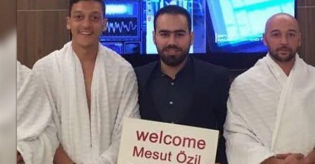Mesut Özil Umreye Gitti