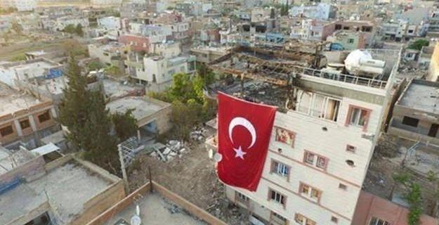 Özel Harekat O Bölgeye Türk Bayrağı Çekti