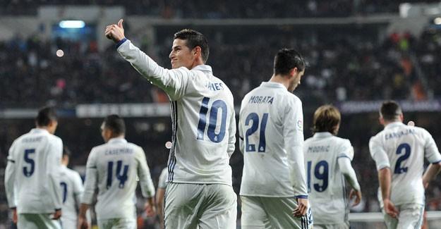 Real Madrid Logosundaki Haçı Çıkardı