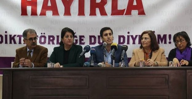 Terör Destekçileri Referanduma Hayır Demek için Toplandı