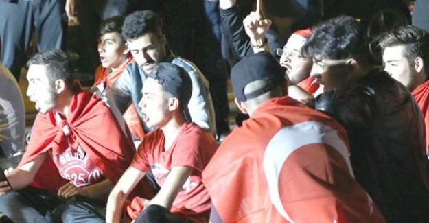 Terörist Yuvası Belçika'da Darbe Karşıtı Türkler İfadeye Çağrıldı