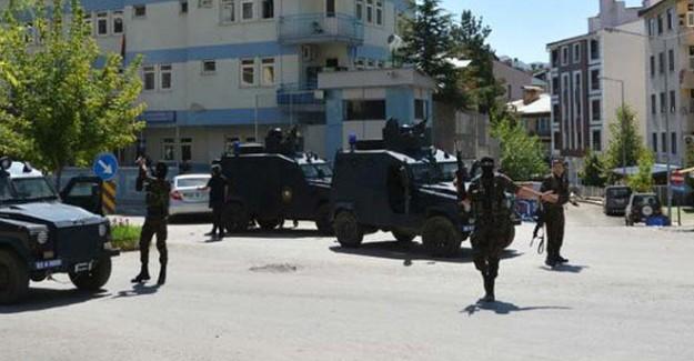Teröristler Polis Karakoluna Saldırdı!