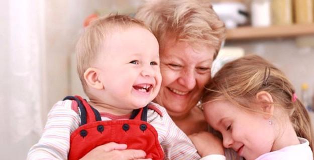 Torun Bakan Büyükanneye Devlet Maaş Verecek