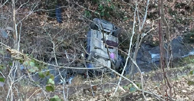 Trabzon'da Feci Kaza! Otomobil Dereye Uçtu: 1 Ölü, 2 Yaralı