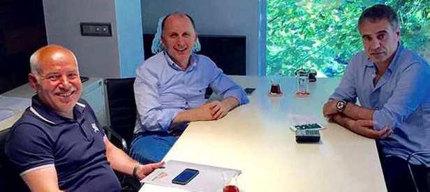 Trabzonspor'un yeni teknik direktörü resmen açıklandı!
