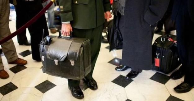 Trump'a Verilecek Bu Çantanın İçinde Dünyayı Yerle Bir Edecek Şifreler Var!