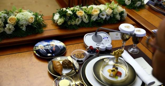 Türk Heyetine Verilen Yemekte Dikkat Çeken Ayrıntı