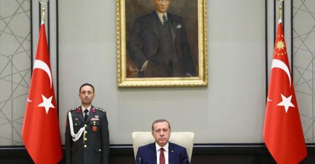 Yeni Hükümetin İlk Bakanlar Kurulu Toplantısı Başladı