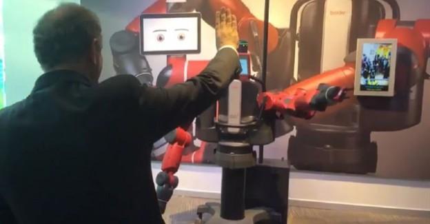 Yerli Robota 'Rabia' İşareti Yaptırdı