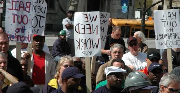 ABD'de Yüz Binlerce Kişi İşsizlik Maaşı İçin Başvuru Yaptı!