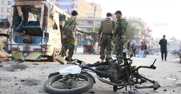 Afganistan'da İntihar Saldırısı! 6 Ölü