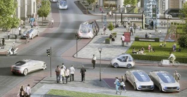 Almanya'da Artık Robot Taksiler Yollara Çıkıyor!