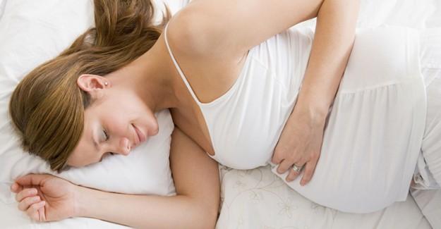 Anne Adaylarına Yaz Sıcaklarında Uyku Tüyoları!