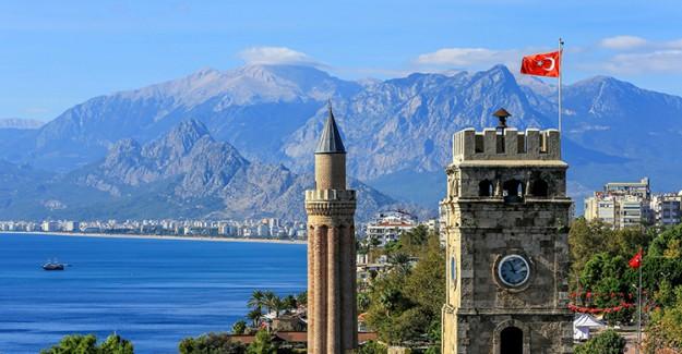 Antalya 12 Milyondan Fazla Turist Ağırladı!