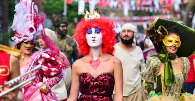 Antalya'da 2. Kaleiçi Old Town Festivali Başladı