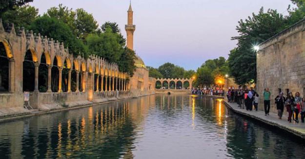 Aşırı Sıcaklar Belediye Havuzlarını 3 Ay Bedava Yaptırdı!