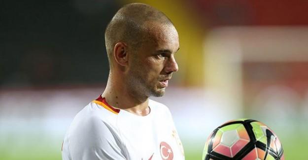 Aslan Sneijder'in Fişini Çekti