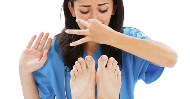 Ayakkabılarda Oluşan Kötü Kokuyu Önlemek İçin Bunları Yapmanız Gerekiyor!
