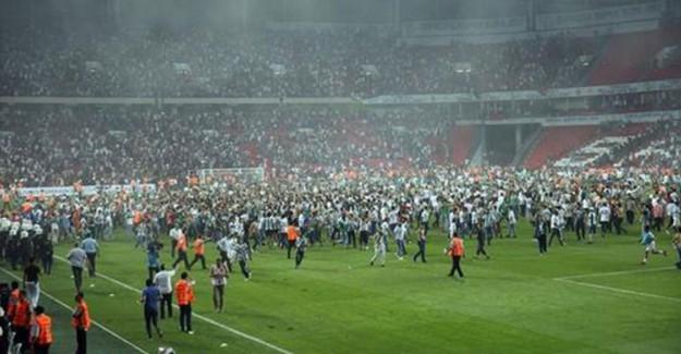 Beşiktaş ve Konya'ya Seyircisiz Oynama Cezası