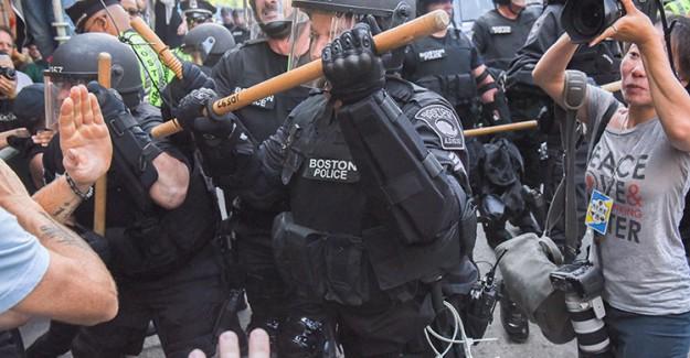 Boston Karıştı! ABD Polisi Tahta Cop Kullandı