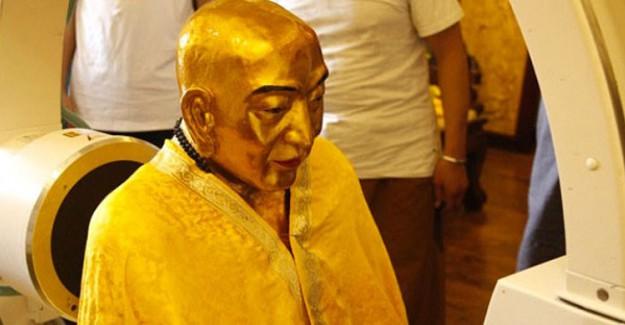 Budist Rahibin Mumyasından Çıkanlar Şoke Etti!