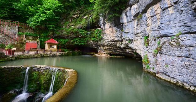 Çal Mağarası Sarkıtlarıyla Ziyaretçilerin İlgi Odağı Oldu