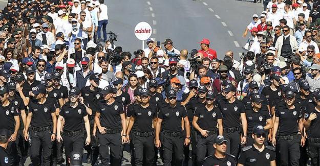 CHP'nin Mitingi Yürüyüşün Ardından Başlıyor