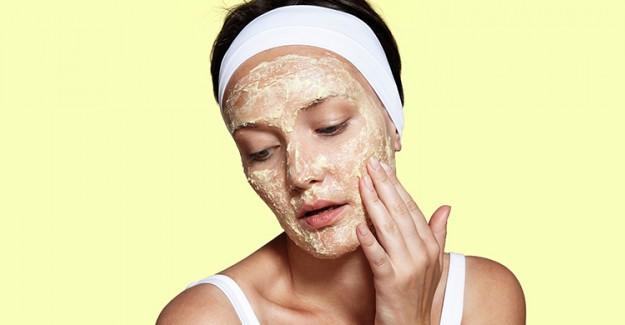 Cilt Kırışıklıklarına Mucizevi Çözüm: Hurma Maskesi!