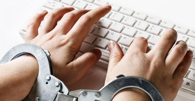 Çin'de Yaklaşık 4 Bin İnternet Sitesi Kapatıldı!