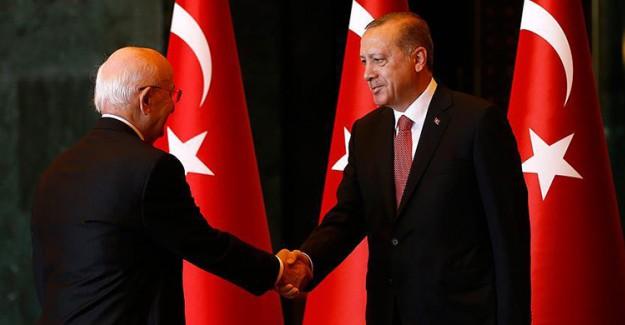 Cumhurbaşkanı Erdoğan Külliye'de Kutlamaları Kabul Etti