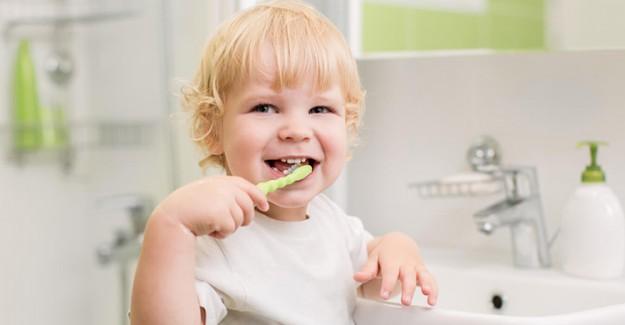 Dişlerinizin Çürümesini Bu İçecekle Engelleyin!