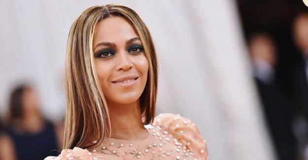 Dünyaca Ünlü Şarkıcı Beyonce Hamilelik Albümünü Yayınladı!