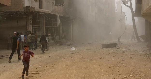 Esed Rejimi Çatışmasızlık Bölgesi İlan Edilen Yerleri Vurmakta
