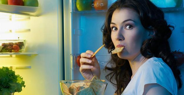 Gece Yeme Alışkanlıkları Bakın Nelere Sebep Oluyor!